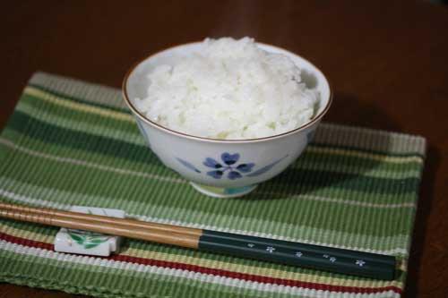 佐賀のおいしいお米と有田焼の組み合わせ
