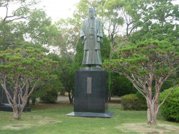 江藤新平銅像
